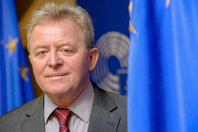 Janusz Wojciechowski pressades i utfrågningen.