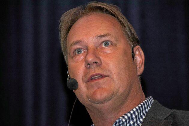 Thomas Strömberg, Lantmännen Maskins regionchef för Västra Götaland, Värmland och Närke, konstaterar att anläggningen i Lidköping som nu läggs ned har varit under all kritik i 25 år.