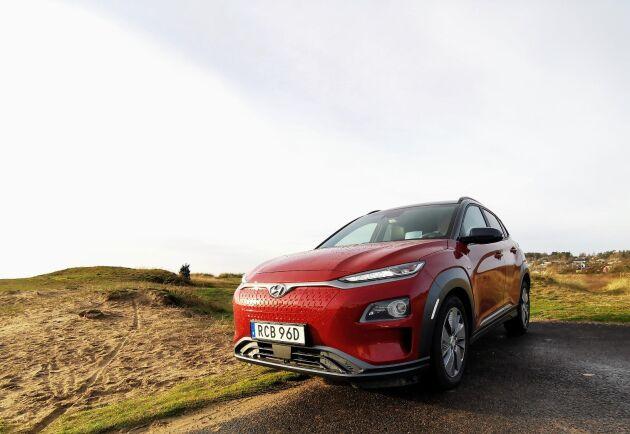 Hyundai Kona i elektrisk version finns som Standard Range – med en räckvidd på strax över 30 mil – och som Long Range som bjuder på 48 mil.