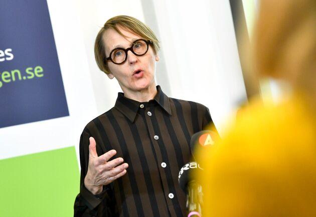 Annika Sundén, analyschef på Arbetsförmedlingen under Arbetsförmedlingens pressträff i Stockholm.