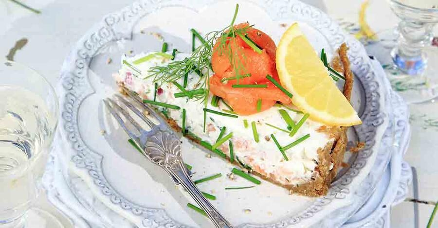 Bjud på cheesecake med smak av lax och spenat.