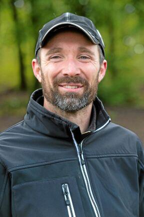 Joakim Frank, lantbrukare utanför Hörby, har närmare tre år efter att han lämnade in sin ansökan fått rätt att flytta en stenmur som försvårar hans jordbruk. Domen från Mark- och miljööverdomstolen kan inte överklagas.