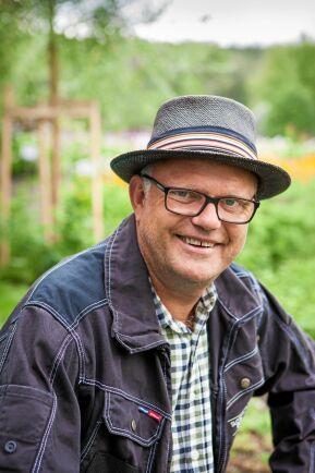 TV-profilen och trädgårdsgurun Bosse Rappne berättar hur du bygger en stödmur till trädgården.