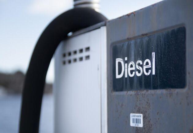 Priset på diesel sjönk med ytterligare 30 öre på onsdagen.