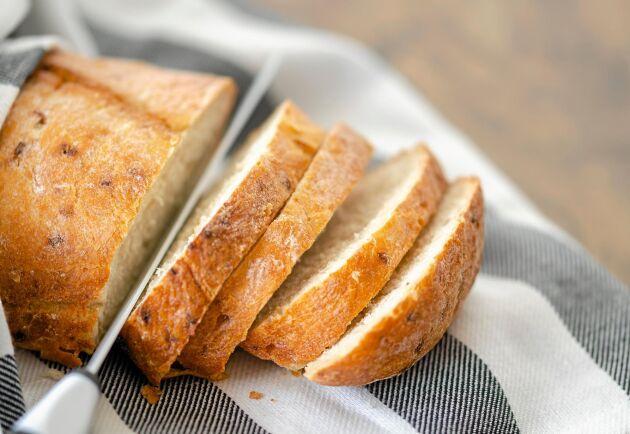 Låt inte brödet gå till spillo, använd det till sådant som du annars köper nytt.
