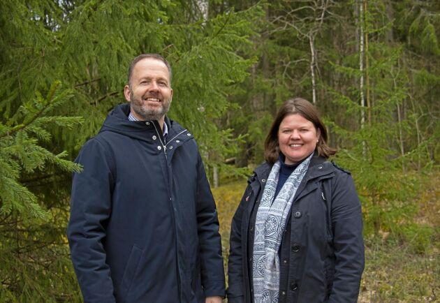 Pär Skinnargård, vd på Nykvist skogs AB och Lina Edin Ekonomichef.