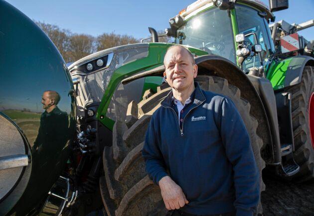 Sedan 1989 har Magnus Nilsson kört gödsel med traktorer på mellan 136 och 415 hästkrafter.