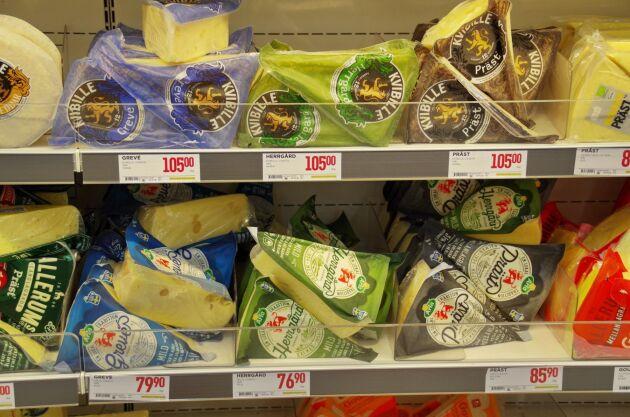 Världens största mejeriföretag Lactalis har genom dotterbolaget Skånemejerier försökt att ogiltigförklara varumärkerna Grevé- Herrgård- och Prästost.