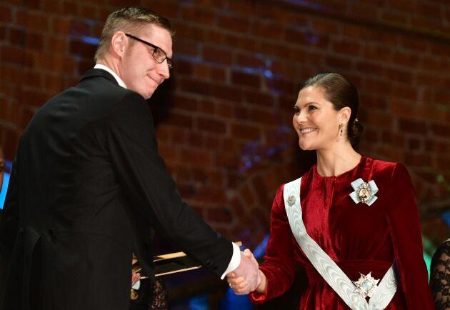 Lantbruksföretagaren Joakim Svensson fick Anders Walls stipendium för landsbygdsutveckling.