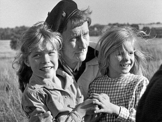 Astrid tillsammans med Madicken och Elisabet.