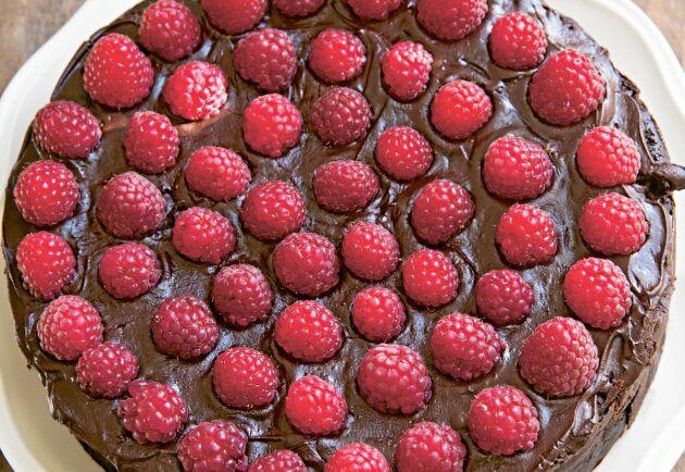 Drömgod kaka och dessert med en ljuvlig smakmix av hallon och choklad.