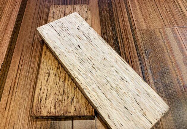 Hempwood är ett träliknande material av hampastjälkar och sojabaserat lim. Utseendet påminner om ek, men densiteten och formstabiliteten uppges vara högre.