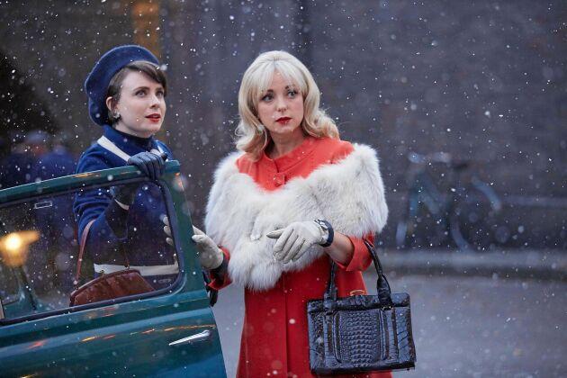 """""""Barnmorskorna i East End"""" firar stämningsfull jul."""