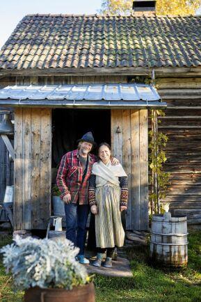 Kättboåsens fäbod i Mora kommun, Owe och Yvonne.