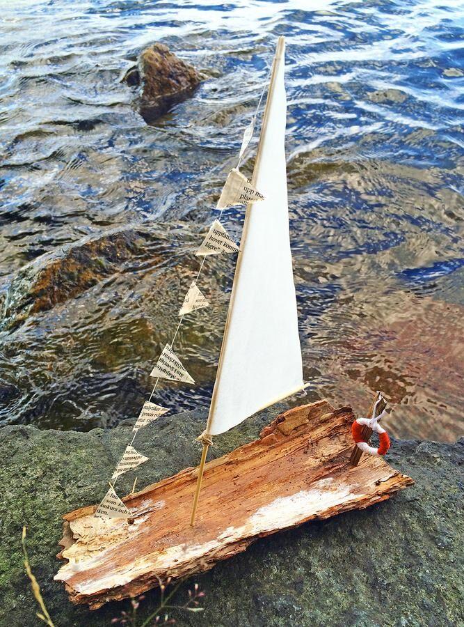 Vår barkbåt! Redo att ge sig ut på sjön.