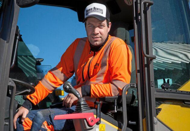 """""""Jag återinvesterar det mesta av vinsten för att utveckla företaget"""", säger Johan Rosenlund."""