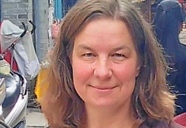 Katarina Rydén har fått det angelägna uppdrag att leda arbetet med att knyta nya kontakter med bland annat skolor för att få fler unga att söka sig till grisnäringen.