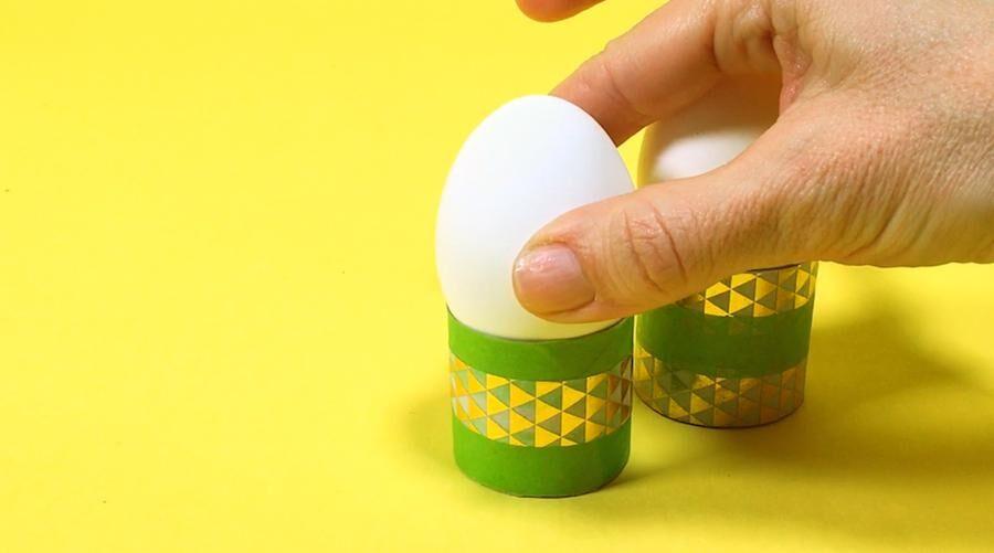 Äggkoppar av toarullar.