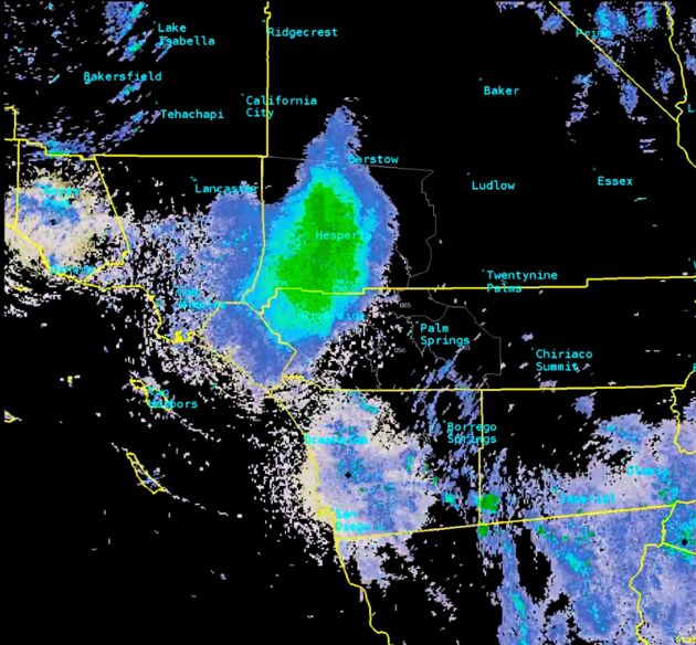 Svärmen syns som en stör böljande massa på satellitbilderna.