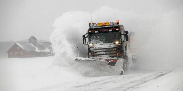 Glesbygdsbor i protest mot försämrad snöröjning
