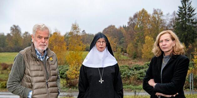Greve och nunna tar strid mot mineraljägare