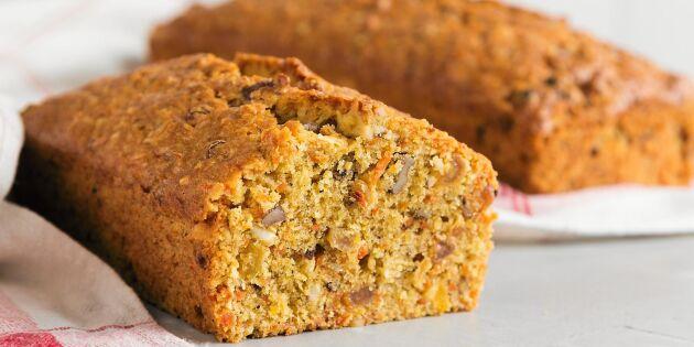 Saftigt glutenfritt morotsbröd – perfekt i långpanna!