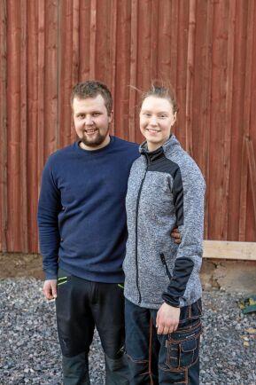Paret trivs med livet och vardagen trots allt slit. Arvid och Johanna saknar faktiskt inte ens semester.