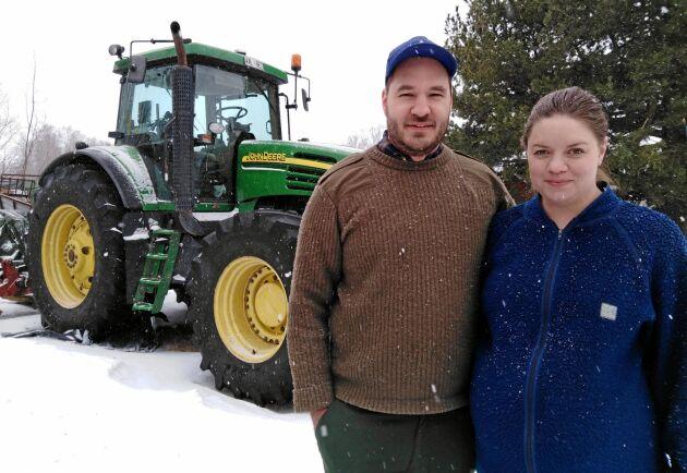 Johannes och Desirée Nyman ska ta över gården i år.