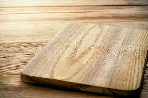 Trä är mer hygieniskt än plast som material i en skärbräda. 276b24e304f35