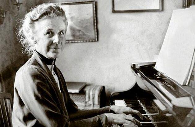 Förutom barnvisor komponerade Alice Tegnér sonater, körverk och kammarmusik med samma lätta hand. Hennes melodier anses inspirerade av Schumann och Mendelsohn.