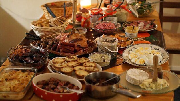 De många maträtterna på julbordet kan behöva olika ölsorter för att smakerna ska matchas och bli riktigt bra.