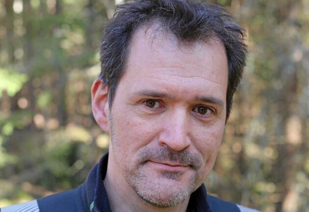 Antonio Petersson är skogsentreprenör och jobbar i kampen mot granbarkborrarna.