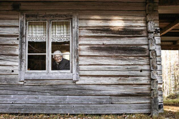 Bara ett hus finns kvar. Här väcks många fina barndomsminnen för Magda.