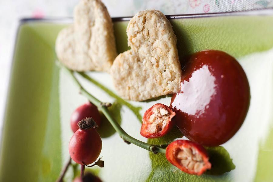 Land.se ger tre recept på höstens gula bär; nypon, rönnbär och havtorn.