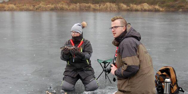Isen sviker i Holland – då har de sitt fiskemästerskap i Dalsland