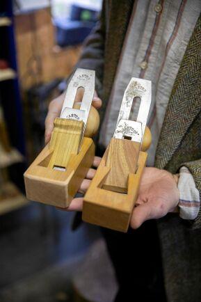 Handfast hantverk enligt gamla traditioner.