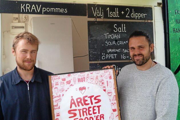 Fritjof Torstensson och Simon Karlsson har fått pris för sin goda pommes.