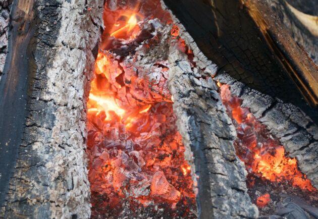 Hyvleriet som brann i Tvärskog hyrs ut till ett enmansföretag och sågverkets verksamhet uppges inte påverkas av branden.
