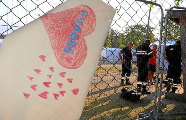 De utländska brandmännen kärlekbombas på Camp Färila.