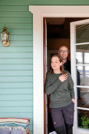 Anna och Torbjörn känner att de har hittat hem här på Börsgården, tillsammans med sina tre barn.