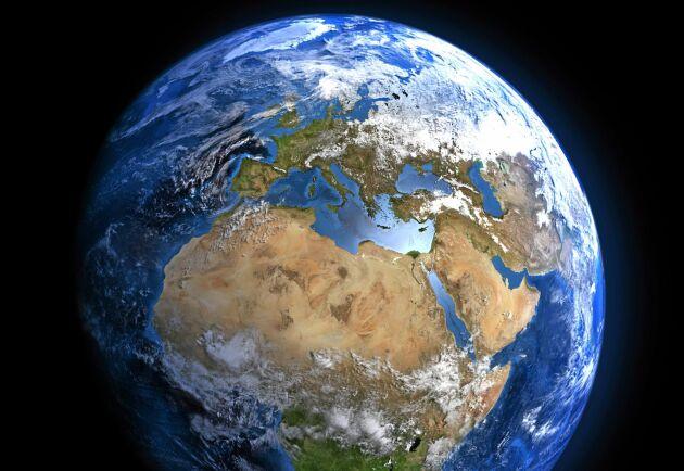 I Sverige lever vi som om vi hade fyra jordklot till vårt förfogande enligt statistik från FN.