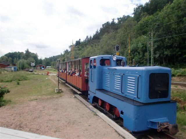 Åk tåg längs naturskön sträcka! Foto: munkedalsjernvag.com