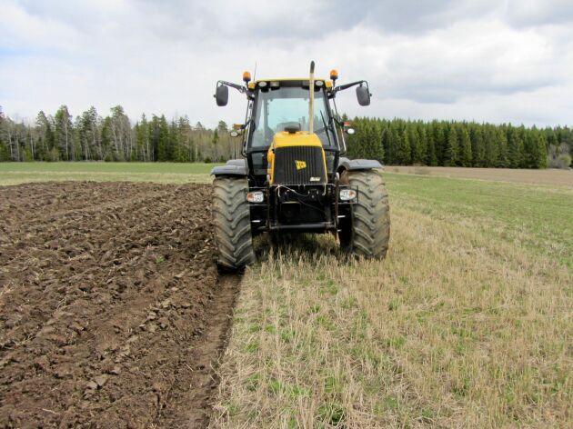 Stöd till elektrifierade arbetsmaskiner som exempelvis traktorer är ett av förslagen i miljö- och klimatsatsningen i regeringens höstbudget.