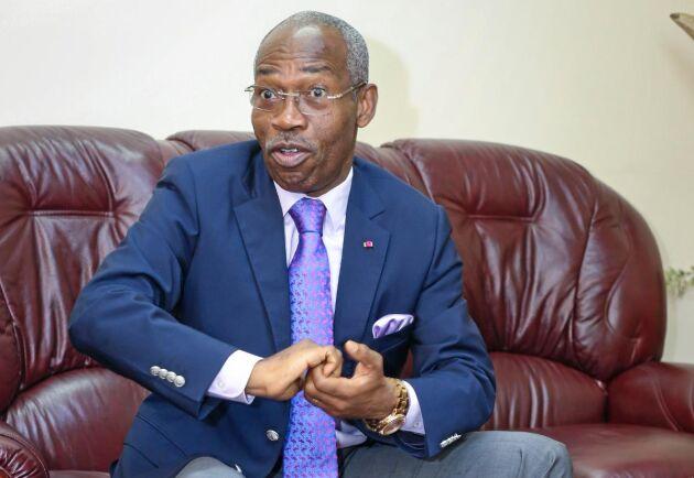 Skogsministern Jules Doret Ndongo i Kamerun vill utrusta de statliga skogvaktarna med motorcyklar för att kunna upptäcka illegal avverkning.