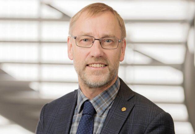 """""""Vi måste lita på den enskilde skogsägarens kapacitet, kunskap och drivkrafter att bruka hållbart. Det är grunden i vårt remissvar till Skogsutredningen och det borde också vara grunden för svensk skogspolitik"""", säger Paul Christensson, ordförande i LRF Skogsägarna."""