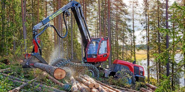 Skogsmaskintillverkare storsatsar i Sverige