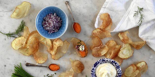 Lyxiga chips med löjrom – så enkelt gör du godaste smårätten