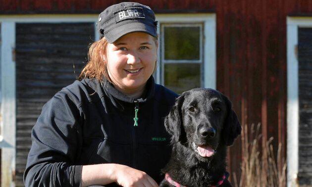 """""""Bra magar, bra avföring, bra pälskvalité, bra klor"""", säger foderambassadör och flat coated retrieverägaren Sara Leppänen."""
