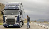 Scania håller ställningarna